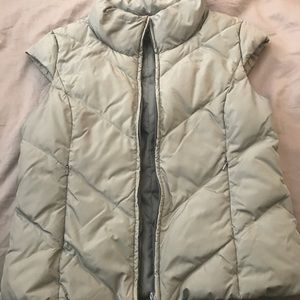 Grey cap sleeve puffer vest